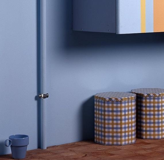Покраска газовой трубы в цвет стены